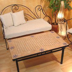 """Gemütlicher Couchtisch """"Azar"""" mit marokkanischem Mosaik. www.albena-shop.de"""