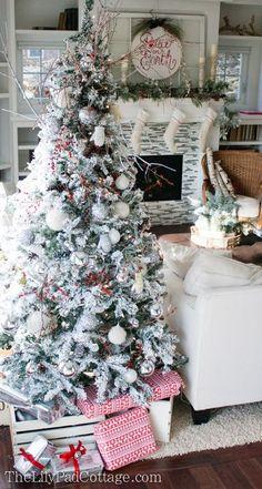 Co roku na święta Bożego Narodzenia zastanawiamy się jaką wybrać choinkę, żywą czy też sztuczną. Jeśli choinkę żywą to jaką? Wiele z Nas stoi przed takim dylematem zanim podejmie ostateczną decyzję Choinka sztuczna♥ Do wyboru mamy bardzo duży... #bożenarodzenie #choinka #drzewkoświąteczne