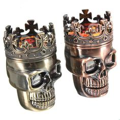 The King Skull Grinder is not only a great herb grinder, but can also be used as a ghoulish ornament when it isn't is use. Under the crown is where this grinder comes into its own with two sets of stu