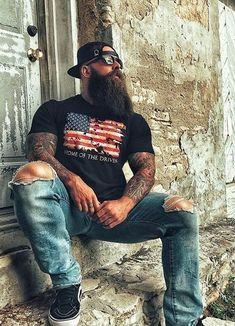 How To Grow Beard Faster Naturally and Get Rid Of Patchy Beard - Bearded tattooed guy lol - Dump A Day, Long Beard Styles, Hair And Beard Styles, Great Beards, Awesome Beards, Lol, Patchy Beard, Long Hair Beard, Hot Guys Tattoos