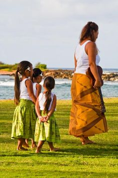 Ohana Means Family Maui Hawaii, Oahu, Island Style Clothing, Hawaiian Girls, Hula Dancers, Ohana Means Family, Tahiti, Kids Boys, Culture