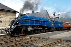 Sir Nigel Gresley 60007 - Steam Trains. The LNER Class A4 Pacific engine