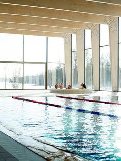 Katrina Tang Photography for Enterprise Estonia. People having fun in a hot tub, swimming pool, winter #katrinatang #tangkatrina