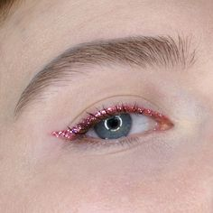 Sparkly winged liner