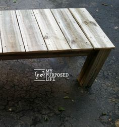 How to build a reclaimed wood coffee table that doubles as a bench, indoors or outdoors. Inexpensive project using weathered lumber. Reclaimed Wood Coffee Table, Reclaimed Wood Projects, Diy Coffee Table, Repurposed Wood, Coffee Table Design, Repurposed Furniture, Furniture Vintage, Salvaged Wood, Industrial Furniture