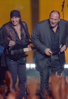 11 Reasons Why James Gandolfini Was The Ultimate New Jerseyan Mafia, Les Sopranos, Smoking Celebrities, Godfather Movie, Gangster Quotes, Really Good Movies, Tony Soprano, Bad To The Bone, Hollywood