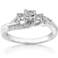 Princess-cut diamond three-stone engagement ring14k white gold jewelryClick here for ring sizing guide