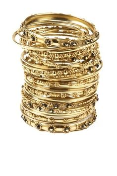 love these gold bangles!
