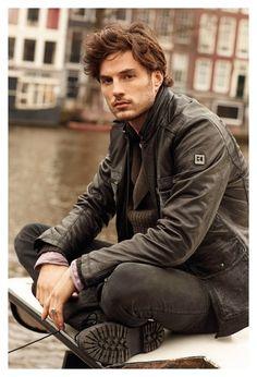 Hugo Boss attired- BROWN HAIR BROWN EYES- brtitish looking- :::: thud ::::