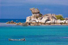 Tanjung Kelayang, Belitung, Indonesia www.nusatrip.com/id/tiket-pesawat/ke/tanjung_pandan_TJQ #nusatrip #travel #destination #belitung #Indonesia #travelingideas #holiday #onlinetravelagency