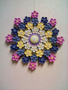 Quilled Paper Art: Four Leaf Clover Neli Quilling, Quilling Butterfly, Paper Quilling Patterns, Origami And Quilling, Quilled Paper Art, Quilling Jewelry, Quilling Paper Craft, Paper Crafts, Quilling Tutorial