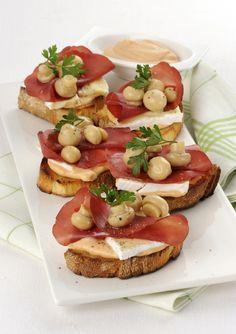 Cerchi nuove ricette di antipasti veloci per un aperitivo? Prova le sfiziose bruschette alla boscaiola, si preparano in pochi minuti e sono irresistibili!