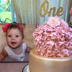 Janae Phillips added a photo of their purchase Pink And Gold Birthday Party, Gold Party, 1st Birthday Girls, Birthday Parties, Girl Birthday Decorations, Baby Shower Decorations, Etsy App, Party Planning, First Birthdays