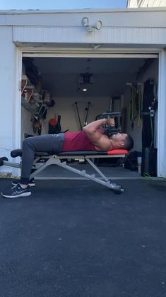 Push Day Workout, Full Body Hiit Workout, Workout Days, Gym Workout Tips, Workout Videos, Bicep And Tricep Workout, Dumbbell Workout, Men's Health Fitness, Health And Fitness Articles