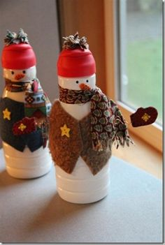 AllFreeChristmasCrafts has Christmas crafts for kids and adults. You'll find glitter ornaments, snowman Christmas crafts,Christmas angel crafts, recycled card projects, free projects and DIY gift ideas as well as Christmas craft and decoration ideas. Snowman Crafts, Christmas Projects, Holiday Crafts, Christmas Ideas, Homemade Christmas, Simple Christmas, Christmas Snowman, Christmas Time, Christmas Ornaments