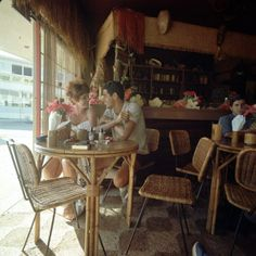 Shell Bar Surfers Paradise 1965.Courtesy GC Libraries