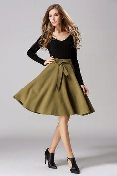 スカート - きれいなドレープ感とフェミニンなミモレ丈が今年らしいフレアスカート