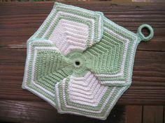 Petal Potholder By American Thread Company - Free Crochet Pattern - (ravelry) Crochet Home, Love Crochet, Crochet Motif, Vintage Crochet, Crochet Crafts, Crochet Projects, Knit Crochet, Crochet Kitchen, Potholder Patterns