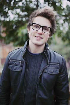 My newest obsession: Youtubers: Marcus Butler - Heeyyyyloooo!