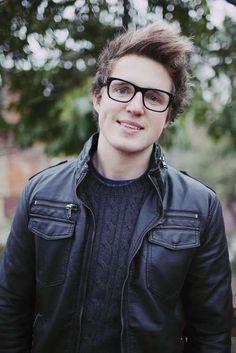 My newest obsession: Youtubers: Marcus Butler - Heeyyyyloooo!