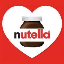 tijdens mijn vrije tijd doe ik niet echt veel, ik eet graag en dat is nutella