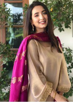 Pakistani Fashion Party Wear, Pakistani Wedding Outfits, Indian Bridal Outfits, Indian Fashion Dresses, Dress Indian Style, Indian Designer Outfits, Indian Wear, Fancy Dress Design, Stylish Dress Designs