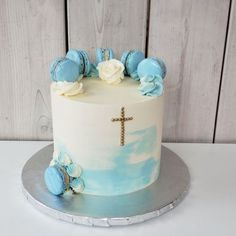 Boys First Communion Cakes, Boy Communion Cake, First Communion Decorations, Christening Cake Girls, Graduation Party Desserts, Gateau Baby Shower, Confirmation Cakes, Birthday Cake Decorating, Cakes For Boys