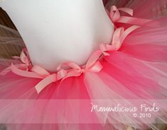 "I am super excited about this tutu tutorial! (A ""tutu tute""?) It is hand tied and looks totally doable."