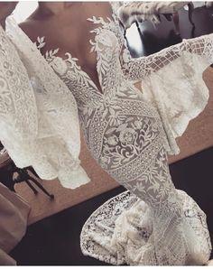 Bohemian wedding gown Off the shoulder long bell sleeve heavy full embellishment mermaid wedding dresses swept train - Hochzeit Sexy Wedding Dresses, Bridal Dresses, Wedding Gowns, Dresses Dresses, Sexy Reception Dress, Mermaid Wedding Dress Bling, Dresses Online, Lace Weddings, Mermaid Dresses