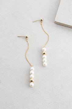 Glamorous Art Deco Dangle Earrings- formal occasion/ fancy drop earrings/ wedding earrings/ bridal earrings/ bridesmaid gifts/ gifts for her - Fine Jewelry Ideas Crystal Earrings, Women's Earrings, Silver Earrings, Diamond Earrings, Diy Earrings Pearl, Earings Dangle, Feather Earrings, Nickel Free Earrings, Diy Earrings With Beads