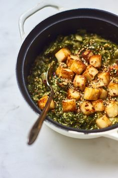 A Really Good Saag Paneer: We make saag paneer at home all the time. I'm talking once a week or every ten days. Wayne started it when he cooked Merrill's saag paneer one night, and from there it became a regular thing. Saag Paneer Recipe, Paneer Recipes, Indian Food Recipes, Vegetarian Recipes, Cooking Recipes, Healthy Recipes, Ethnic Recipes, Indian Foods, Vegetarian Food