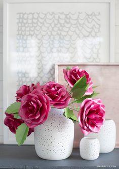 Paper garden rose flower free tutorial and SVG cut file pattern template Leaf Crafts, Flower Crafts, Diy And Crafts, Paper Crafts, Handmade Flowers, Diy Flowers, Paper Flower Patterns, Pattern Flower, Fondant Flower Tutorial