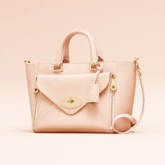 Mulberry Willlow Tote bag - This super feminine ballet pink Willow tote from Mulberry is finished with golden accents, an embossed key fob and the brand's signature logo to ensure that this is the ultimate wearable designer bag Mulberry Color, Best Bags, Classic Leather, Leather Accessories, Designer Handbags, Leather Bag, Satchel, Tote Bag, Purses