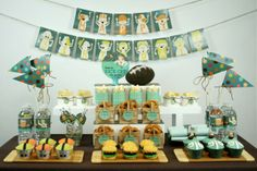 May be a birthday party, but some great ideas here for superbowl! :)