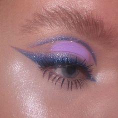 Makeup Eye Looks, Eye Makeup Art, Cute Makeup, Pretty Makeup, Eyeshadow Makeup, Makeup Eyes, Makeup Wings, Purple Eyeshadow, Pretty Hair