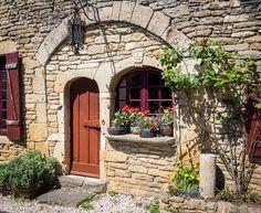Châteauneuf Doorway, Bourgogne, Bobrad