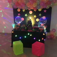 Karaoke Party, Dj Party, Neon Party, Disco Party, Fiesta Party, 80s Party Decorations, Cake Table Decorations, Neon Birthday, Birthday Parties