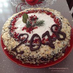 Καλή Χρονιά με υγεία, αγάπη και ευτυχία!!! Ο καινούργιος χρόνος να φέρει στον καθένα, ότι επιθυμεί!!! Σε... Greek Desserts, Greek Recipes, Sweet Bread, Xmas, Christmas, Tiramisu, Food And Drink, Sweets, Cooking