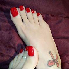 Pretty Toe Nails, Sexy Nails, Sexy Toes, Pretty Toes, Red Toenails, Long Toenails, Nice Toes, Foot Pics, Foot Love