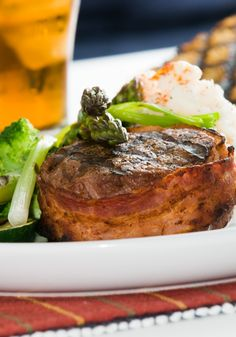 How to Cook Filet Mignon for A Romantic Valentine Dinner