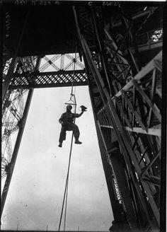 La Torre Eiffel es el punto arquitectónico de París y el símbolo de Francia. Aquí la historia de su construcción.