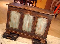 how to paint furniture to look rustic - modern classic furniture Check more at http://cacophonouscreations.com/how-to-paint-furniture-to-look-rustic-modern-classic-furniture/