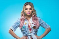 Conhecida por ter sido cover oficial de Britney Spears, a artista traz novo single em português