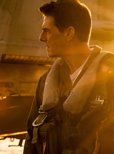 If you were expecting the classic action feature to be more inclusive, no dice. Tom Cruise Hot, Top Gun Movie, Glen Powell, Miles Teller, Mahershala Ali, Z Cam, Song Play, Celebrity Dads, Celebrity Style