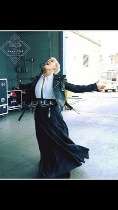 Pink Shares Words of Wisdom for Teens: 'Wear Your Retainer, Fly Your Flag' Pink Official, Badass Women, Edgy Outfits, Queen, Pink Fashion, Celebrity Style, Celebrity Moms, Pixies, My Girl
