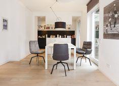 Gemütlich Und Komfortabel U2013 *ARVA* Fungiert Nicht Nur Als Stuhl, Sondern  Lässt Sich