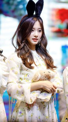 """Twice-Tzuyu 180421 """"What is Love? Fansign Event"""