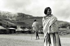 Raymond Depardon, Dilbé, on the road to Lalibela, Ethiopia, 1997 Magnum Photos, Villefranche Sur Saône, Photographer Portfolio, Asset Management, French Photographers, His Travel, Photo Essay, Photojournalism, Taking Pictures