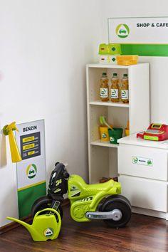 IKEA Hack von Limmaland! Spielmöbel selber machen. Zum Beispiel eine Kindertankstelle! - IKEA Hacks for Kids von www.limmaland.com