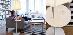 Ein Wohnzimmer, u. a. eingerichtet mit VARV Standleuchte mit kabloser Ladefunktion neben einem Sofa. In der Nahaufnahme daneben ist die Standleuchte mit der kabellosen Ladefunktion zu sehen.